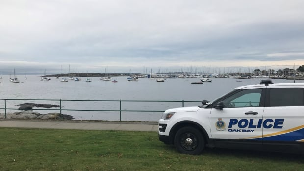 Oak Bay officer fired for allegedly hiring sex worker, retires before punishment