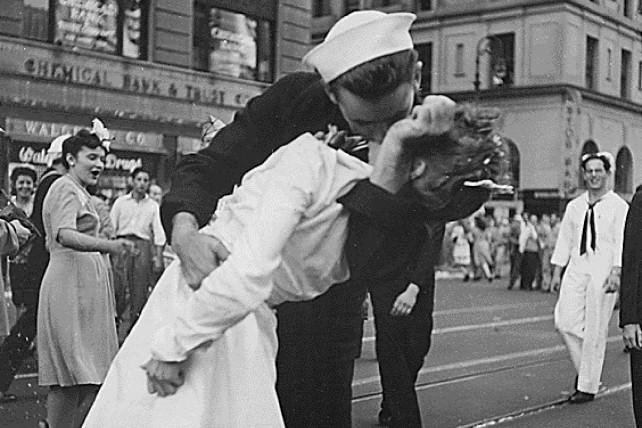 the iconic V-J Day sailor and 'nurse' smooch